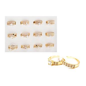 Par de anillos con cristales, dorado, tallas surtidas.