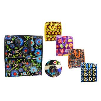 Bolsa textil plastificada decorada, modelos surtidos sujetos a disponibilidad, 39 X 34 X 19 cm.