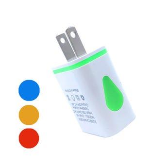 Cargador USB con 2 entradas, blanco, 4.5 X 3.5 cm aprox.