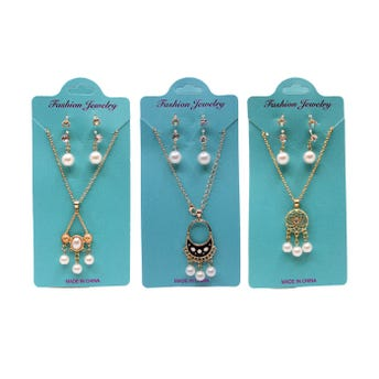 Collar con 2 pares de aretes con perlas, modelos surtidos.
