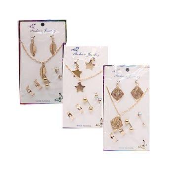 Collar con 3 pares de arete y 2 anillos ajustables, dorado, modelos surtidos.